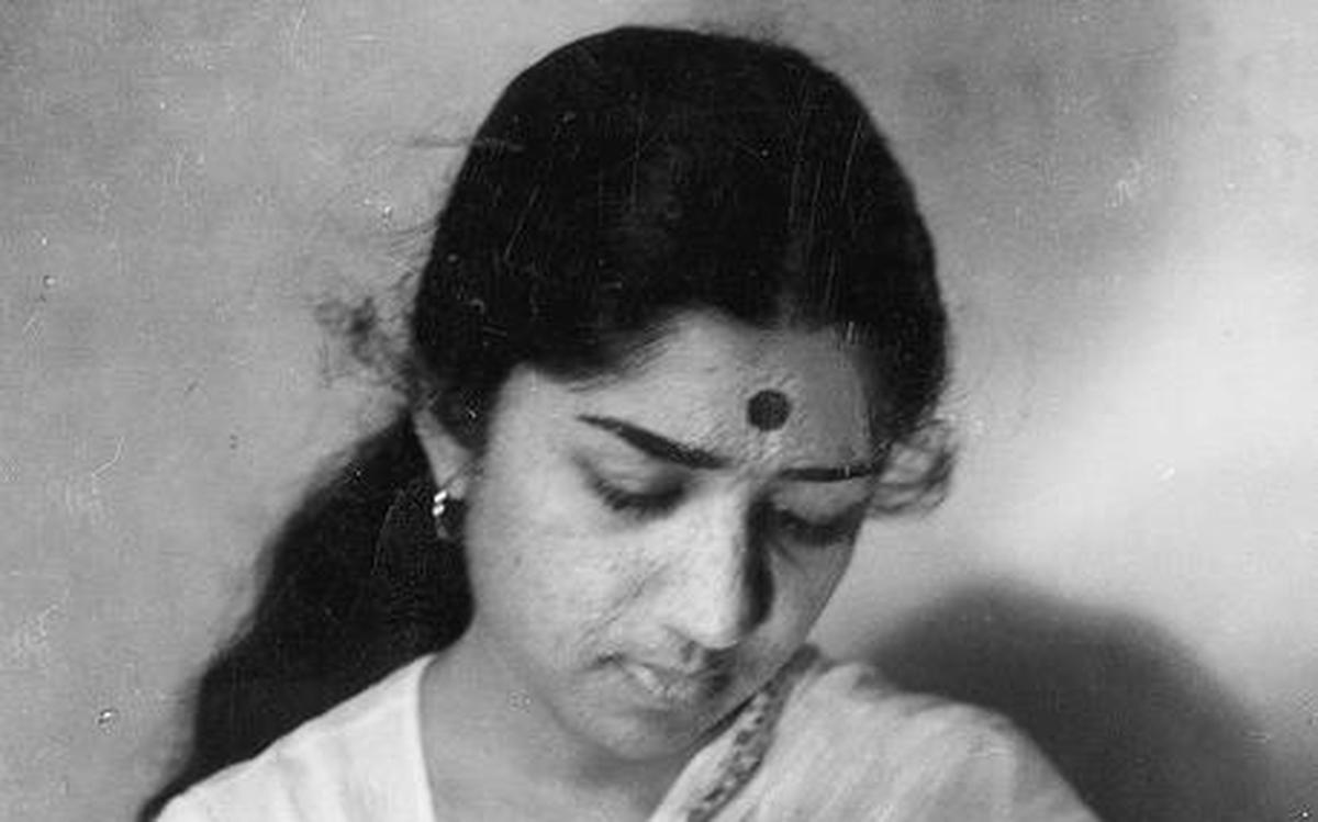 As Lata Mangeshkar turns 90 why her pure voice dominated popular