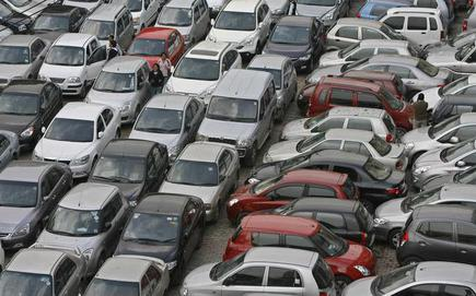 In September, auto sales head south with subdued demand in
