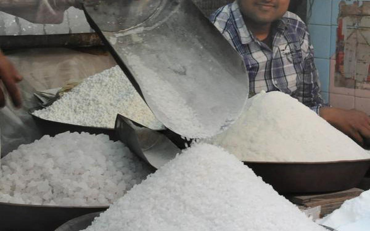 Sugar mills ink deals to export 20 lakh tonnes of 50 lt