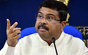 India comfortable with current crude oil price range: Pradhan
