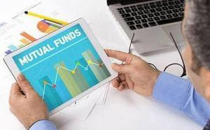 Mutual funds' sector choices