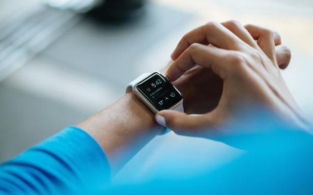 Global smartwatch shipments increased 1.5% in 2020: Report