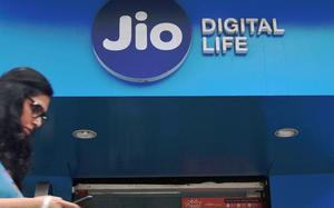 RJio pays up ₹195-crore AGR dues