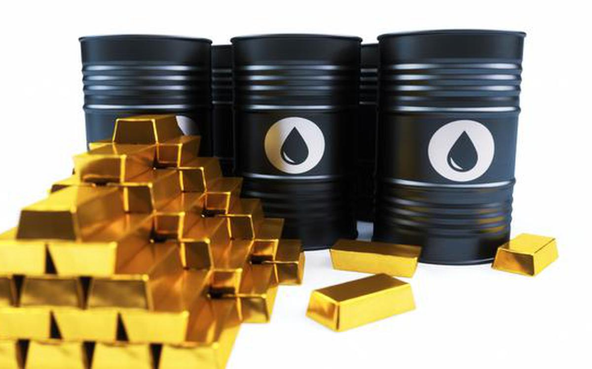 Crude oil, gold move in opposite directions - The Hindu BusinessLine