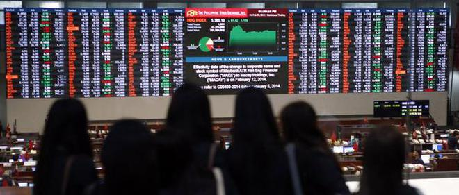 Asian shares slip as new U.S. political worries sour mood