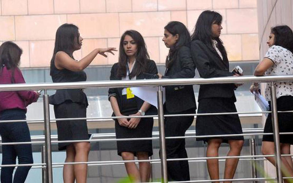 Average salary offers touch Rs 22 lakh at ISB placements - The Hindu