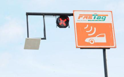 All Nh Toll Plazas To Have Separate Lane For Fastag Vehicles From