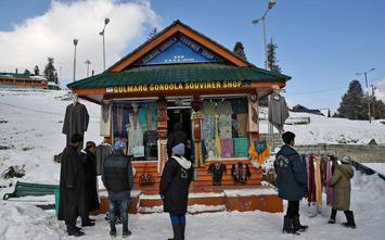 Photo Essay Gulmarg The Ski Capital Of India  The Hindu Businessline Dangerous Sport Despite Several Accidents On The Gondolas Skiing Remains  A Popular Tourist Activity