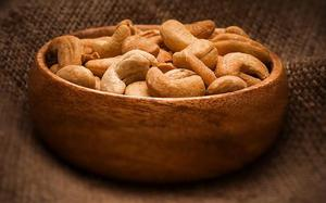 Cashew lobby hails import duty hike on kernels, other products