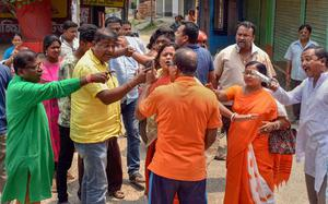 Despite violence, turnout high in Bengal 3rd phase
